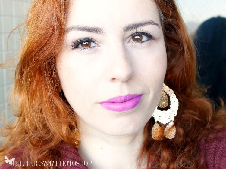 Lírio - Essenze di Pozzi - Evelyn Regly - pele branca cabelo ruivo